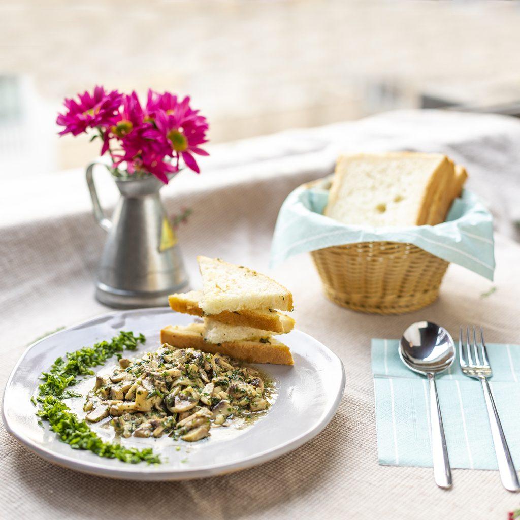 طرز تهیه خوراک قارچ با سس مهیاوه